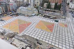 Завершен первый этап реконструкции Троицкой площади в Киеве